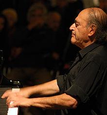 Valencian composer and pianist Carles Santos