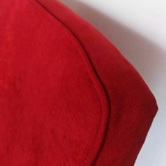 Fotel Chierowski 366 czerwony detal