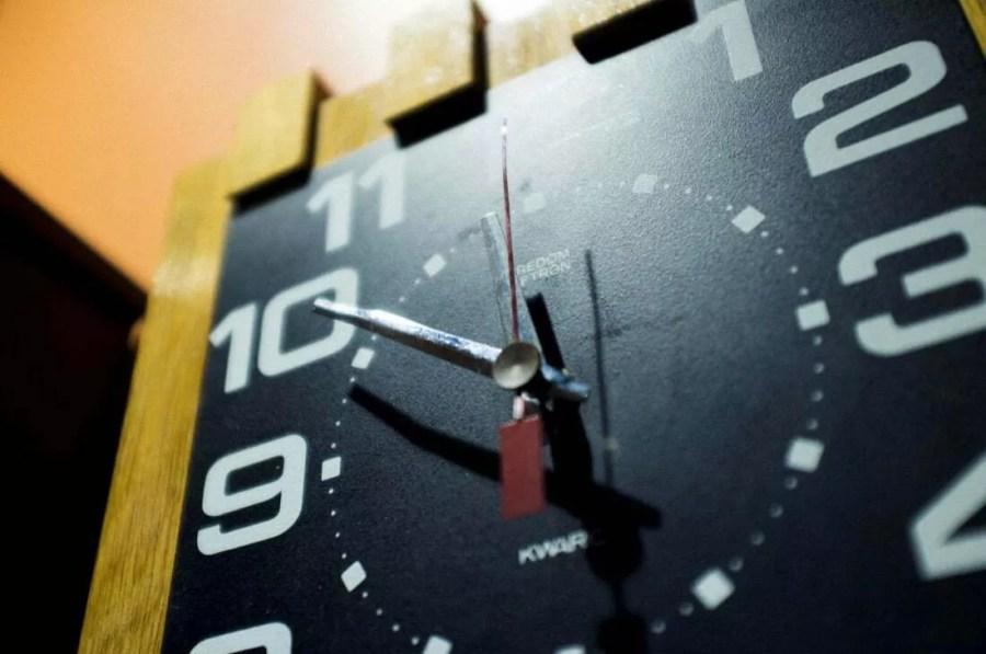 """Wystawa """"Pięć dekad zegarów"""" Predom Metron"""