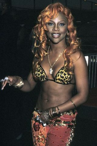 lil-kim-bet-theater