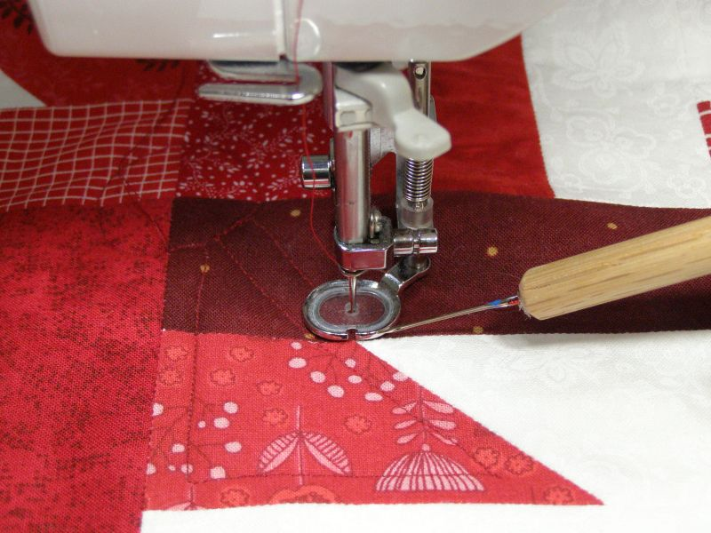 Just Buzzing Through Quilt Along - Week Six - Spray Basting and Machine Quilting