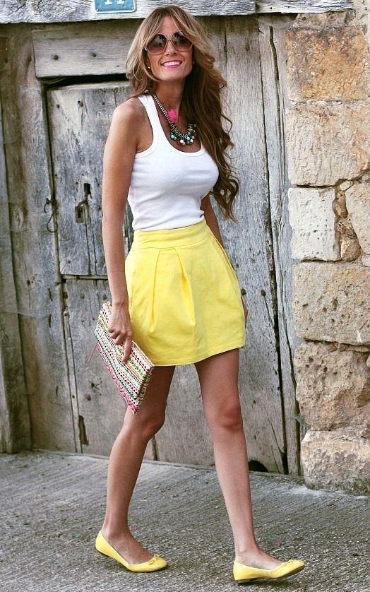 короткая юбка тюльпан из трикотажа летний лук с майкой