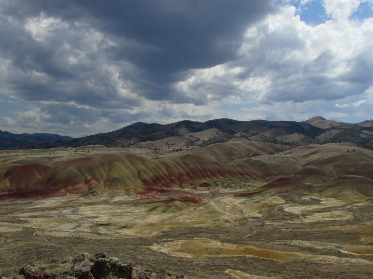 Considered to be one of the seven wonders of Oregon (Eastern), it is a geologic site located in Wheeler County.