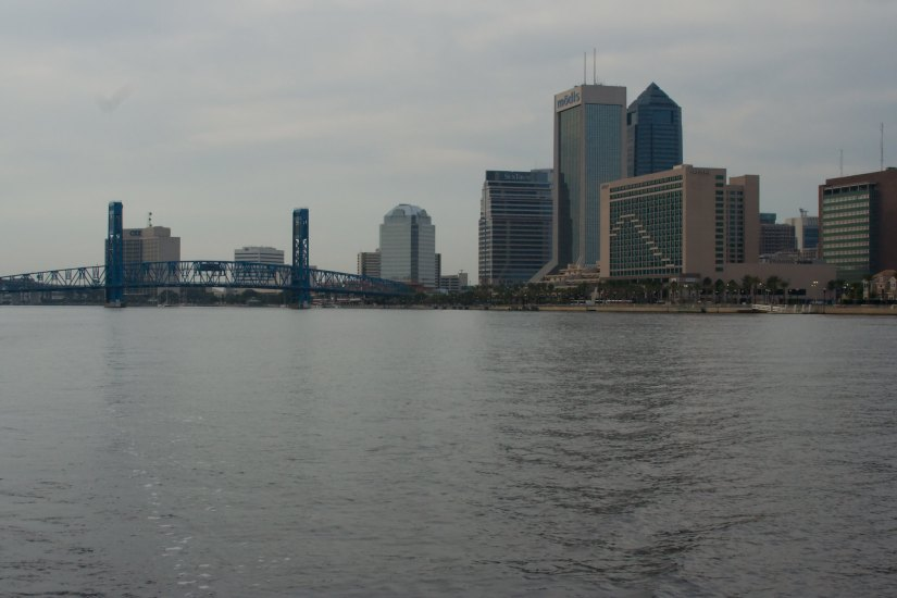 A visit to St. Johns River will enable you to appreciate the beauty of Downtown Jacksonville and we highly recommend it.