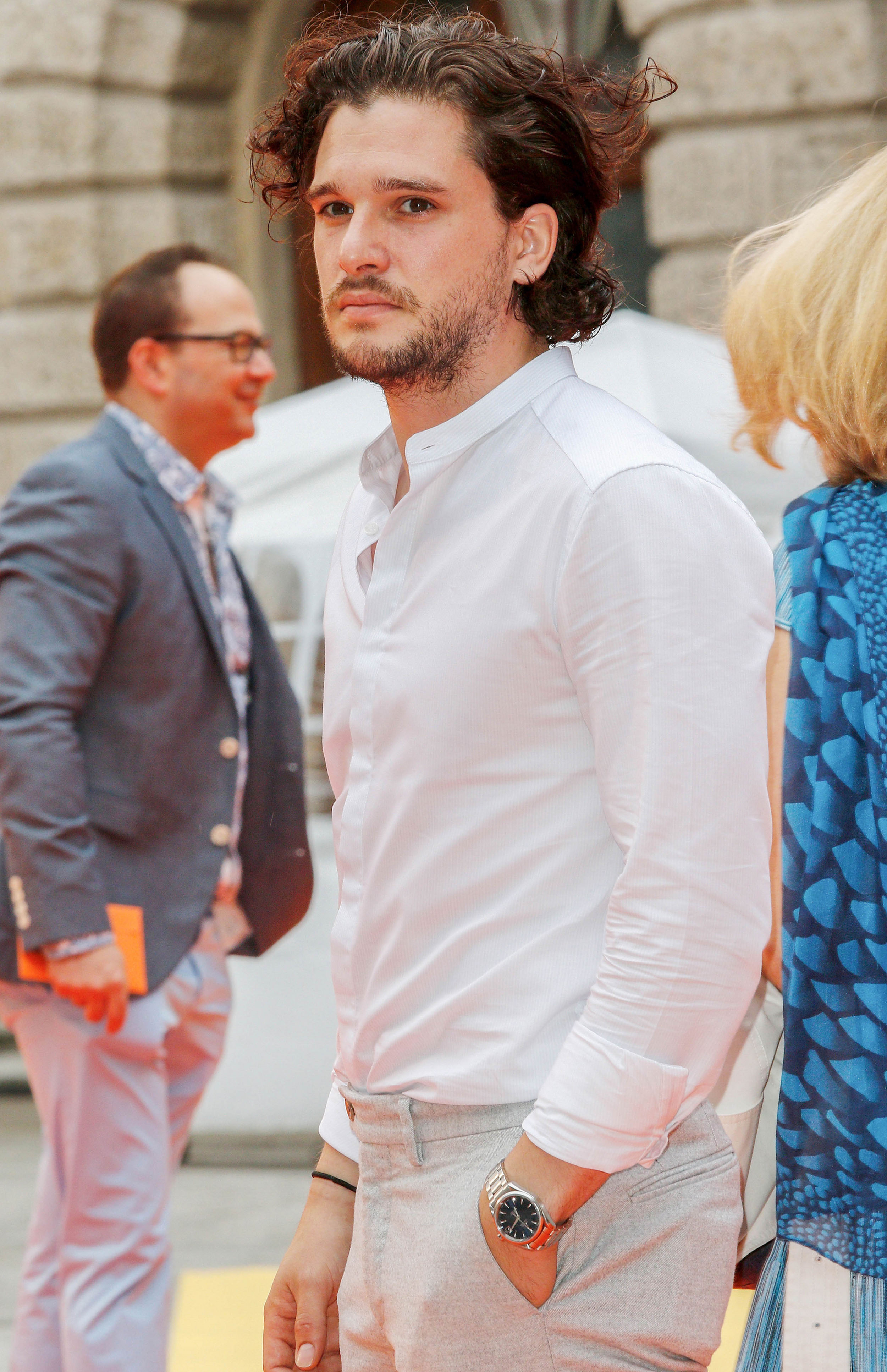 Game Of Thrones Ikea Teppich Kit Harington Trägt Ikea Teppich Loomee Tv