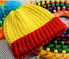 Beginners Loom Knit A Hat Video - Loom Knitting Videos