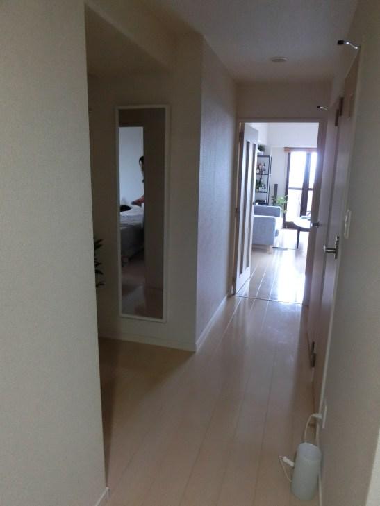 有三間房間,面積有70平方米的高層單位,有大露台可以眺望東京全市