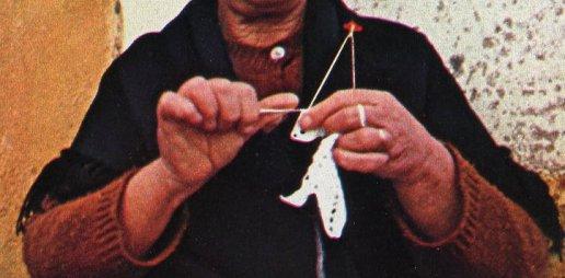 portuguese-crocheter-detail