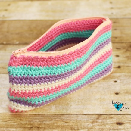 Crochet Zipper Pouch