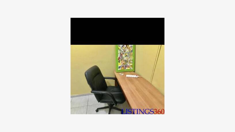 bureau et chaise a vendre region