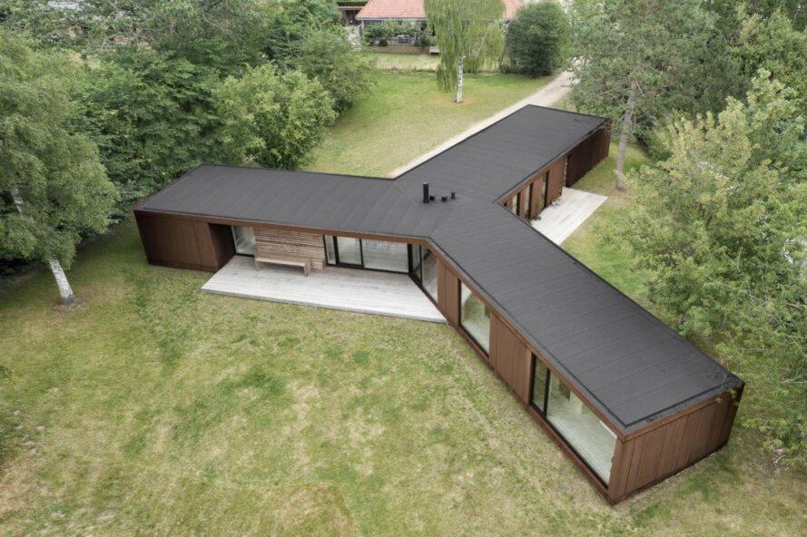 Casa prefabricada con chapa sandwich madera y acero