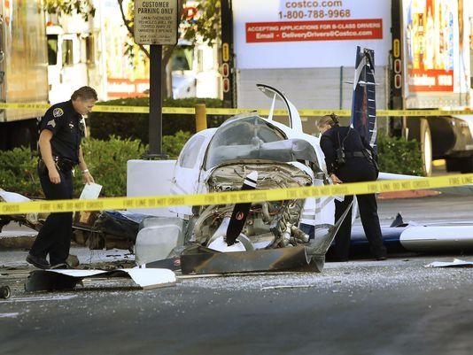 Avioneta se estrella en un centro comercial de San Diego - USA Today