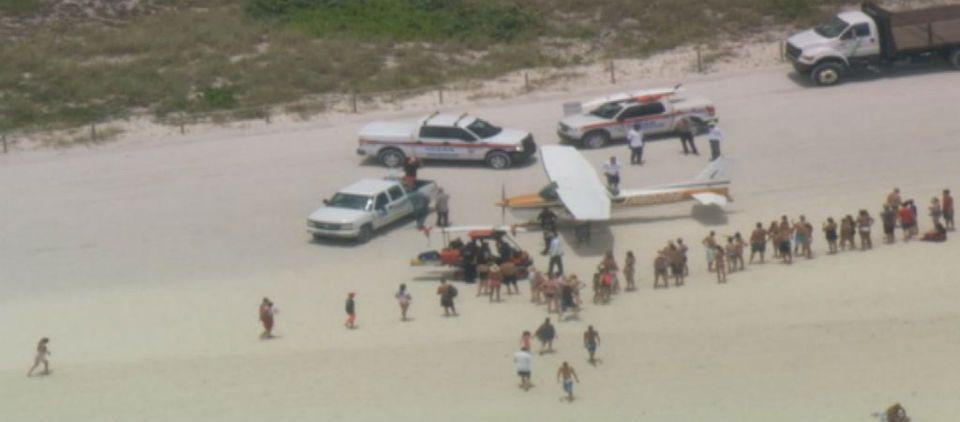 Aterriza de emergencia avioneta en Miami Beach - Foto de NBC