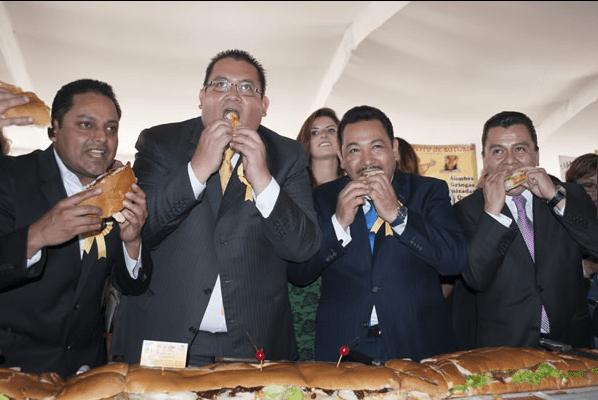 Inauguran Feria de la Torta rompiendo récord - Foto de CNN Expansión