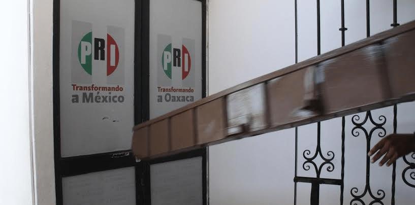 Irrumpe CNTE a las oficinas del PRI-Oaxaca - Foto de Quadratin