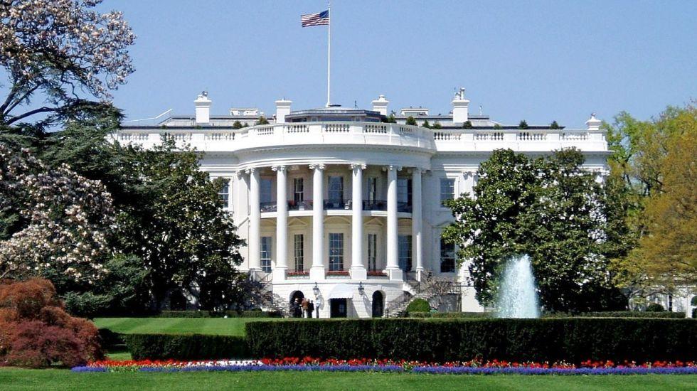 Cierran ingreso a Casa Blanca por paquete sospechoso - Internet