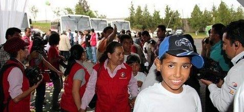 Reintegran a 12 menores de Mamá Rosa con sus familias - Foto de Reforma