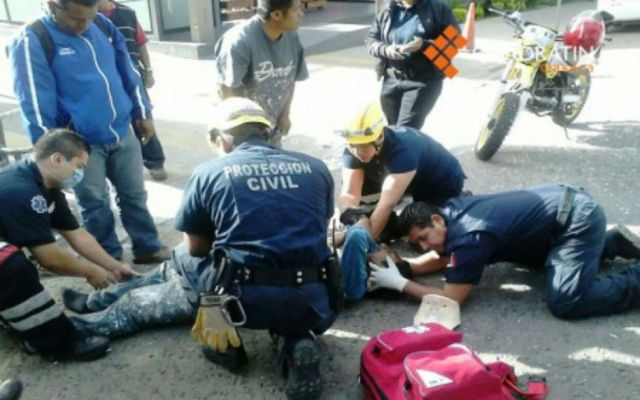 Cae hombre de andamio en un centro comercial de Oaxaca - Foto de Quadratín