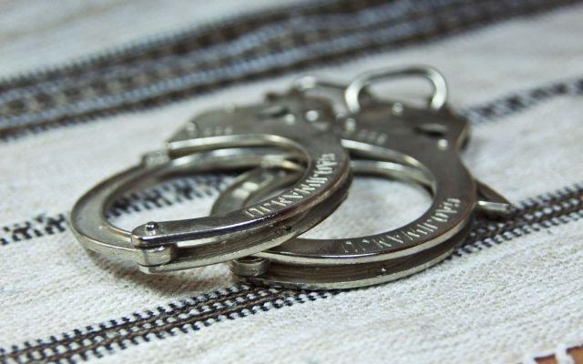 Detienen a directora de escuela por poner en peligro la vida de un alumno - Detención