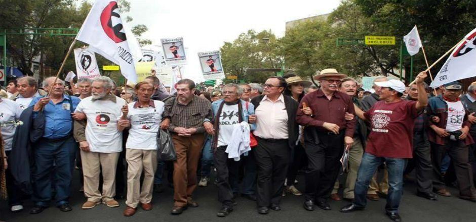 Marcha del 2 de octubre en imágenes - Foto de Reforma