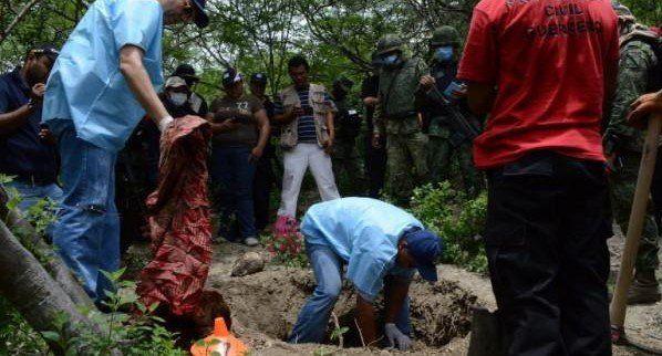 Encuentran el primer cadáver de las nuevas fosas de Iguala - Foto de Diario 24 Horas