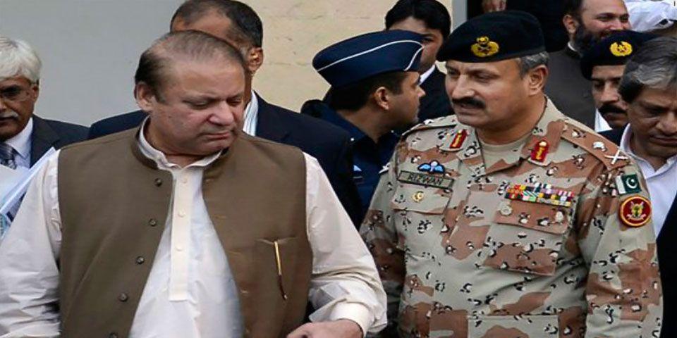 Gobierno paquistaní se reúne con su ejército tras choques Cachemira - Foto de AP