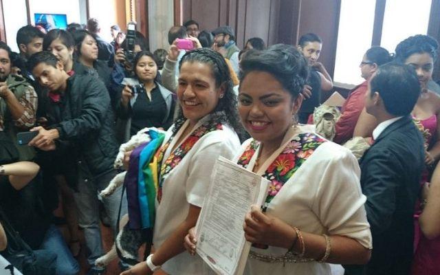 Querétaro registra primera boda de pareja del mismo sexo - Foto de agenciainqro.com