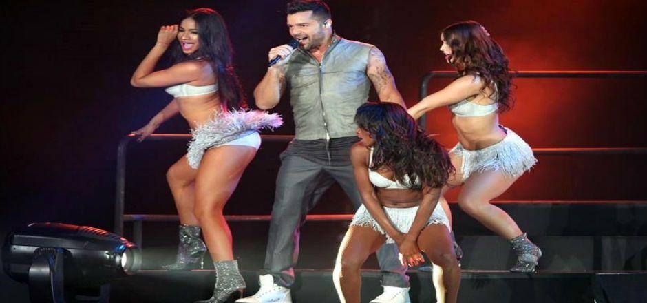 Ofrece Ricky Martin sensual velada en Palacio de los Deportes - Foto de Reforma
