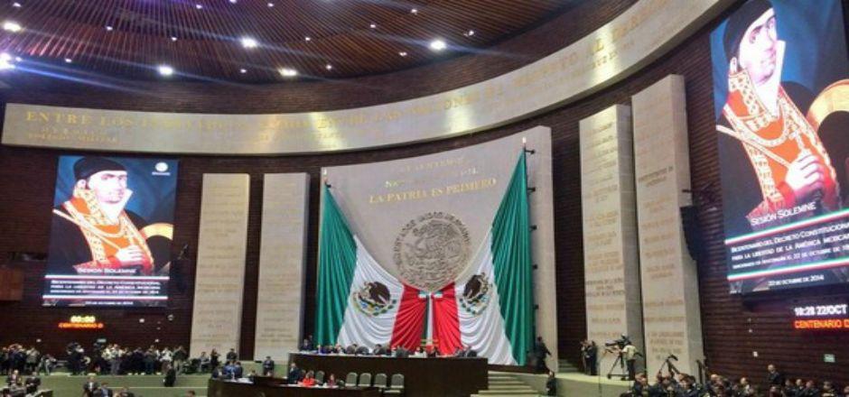Sesión solemne en San Lázaro por aniversario de la Constitución de Apatzingán - Foto de @Silvano_A
