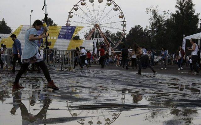 Tormenta eléctrica provoca retraso en Festival Capital - Foto de AP