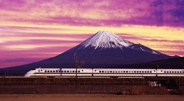 Celebra tren bala japonés 50 años de vida - Foto de Internet