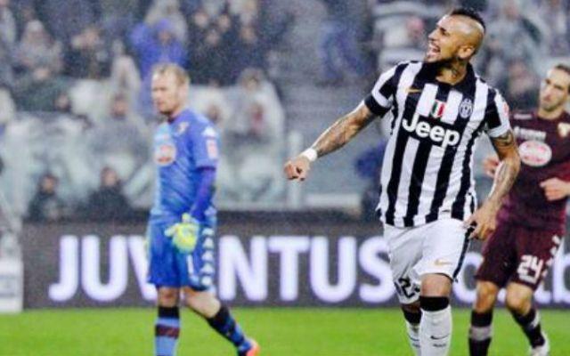 Arturo Vidal es la figura en la victoria de la Juventus - Foto de @KhaledAlNouss