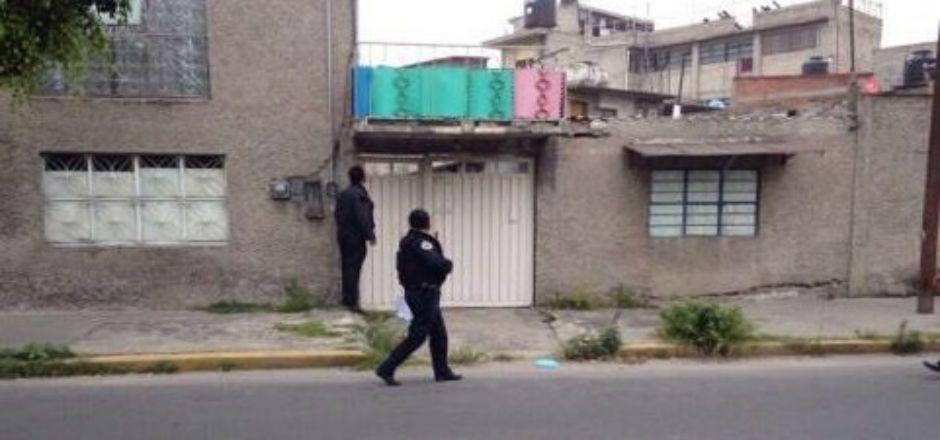 Reporteros sufren asalto afuera de la casa donde se detuvo a los Abarca - Foto de @jrisco