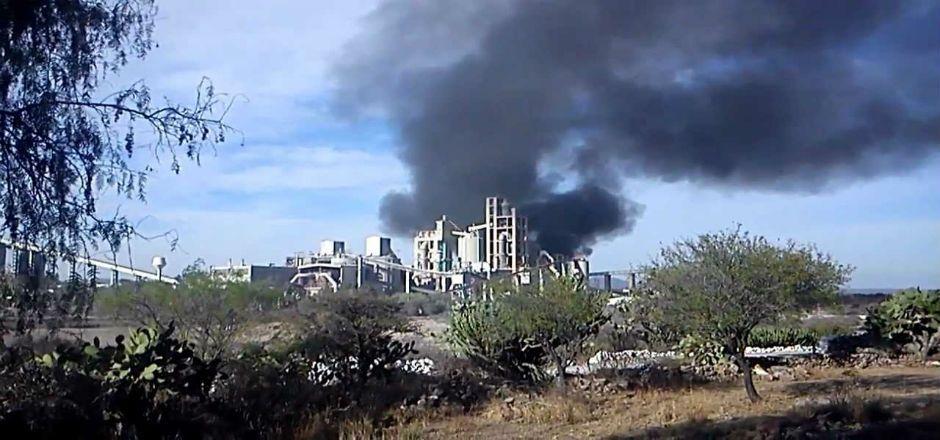 Explosión en planta de CEMEX en Texas - Foto de YouTube