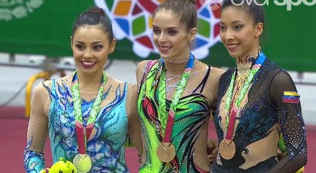 Gana su tercer oro la gimnasta Cynthia Valdez - Foto de @ladocecommx