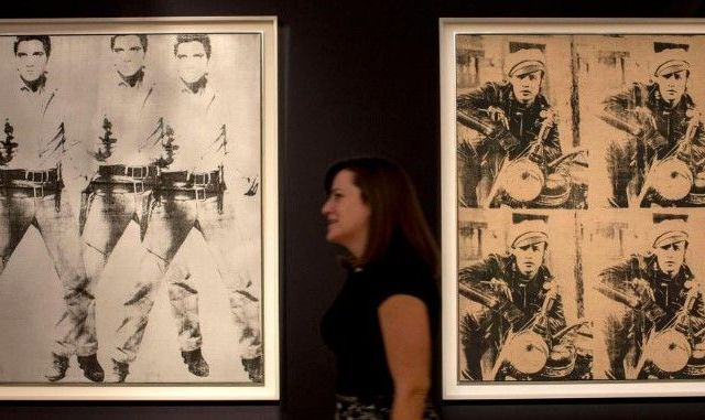 Subastan cuadros de Warhol por 151 mdd - Foto de @nst_Online