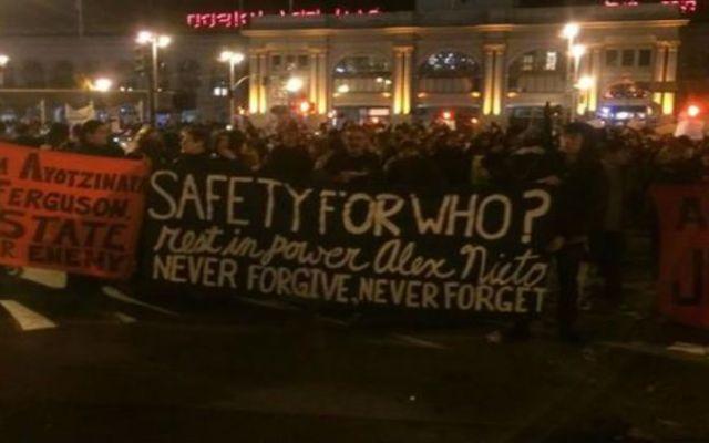 Manifestantes rompen aparadores en San Francisco - Foto de ABC 7 News