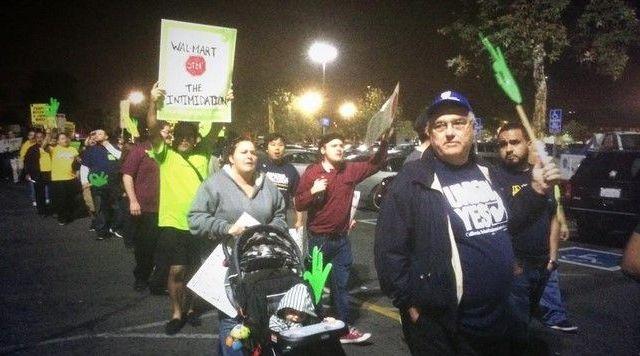 Trabajadores de Wal-Mart protestarán en el Viernes Negro - Foto de @snkhalifa