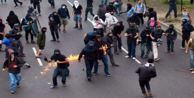 Remiten al Ministerio Público a 15 personas por disturbios en Zaragoza - Foto de Animal Político