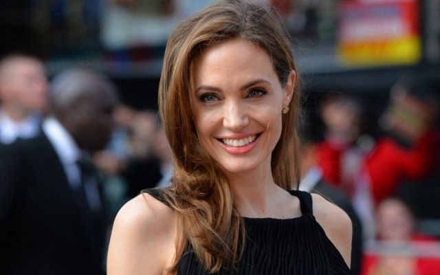 "Productor de Cleopatra llama ""malcriada de poco talento"" a Angelina Jolie - Foto de wallpaperrich.com"