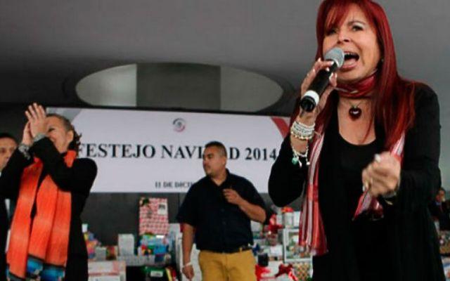 Senadores organizan rifa para trabajadores - Foto de El Universal
