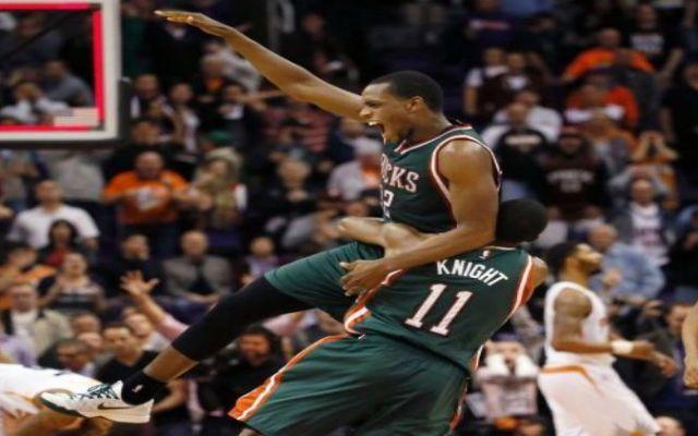 Bucks triunfan con tiro agónico de Middleton - Foto de ESPN