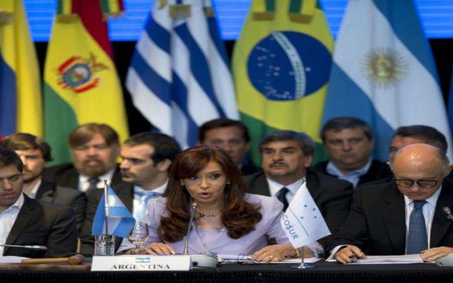 Latinoamérica celebra nueva relación EE.UU. y Cuba - Foto de AP