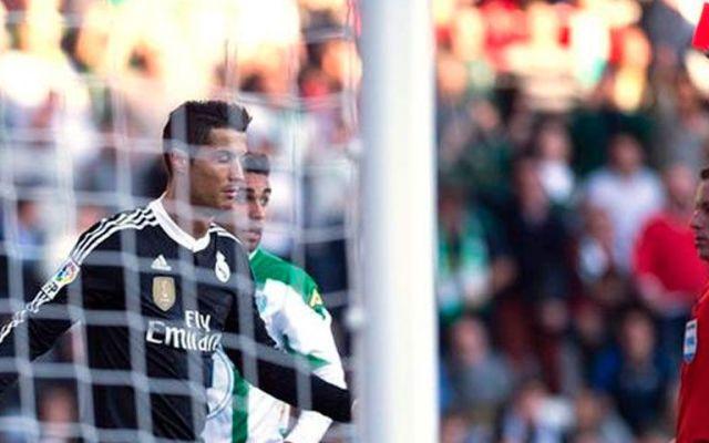 Cristiano Ronaldo se disculpa por agresión - Cristiano Ronaldo expulsado ante el Córdoba