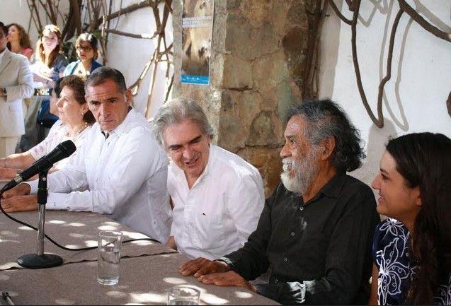 Entregan el Instituto de Artes Gráficas de Oaxaca al INBA - Gabino Cué, gobernador de Oaxaca en el Instituto de Artes Gráficas del Estado