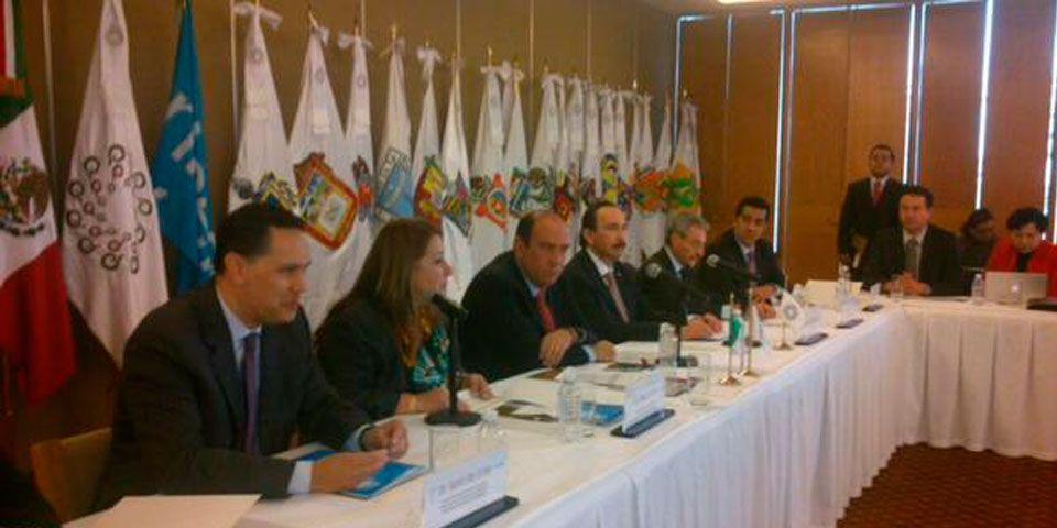 Aplaude ONU estrategia mexicana contra embarazo adolescente - Isabel Crowley en una reunión por derechos humanos