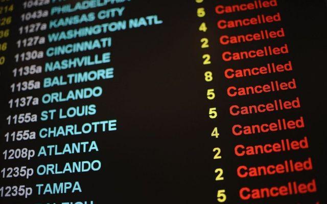Suman 5 mil 700 vuelos cancelados por tormenta - vuelos cancelados
