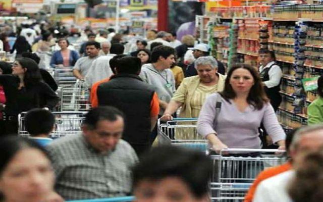 El Índice de Confianza del Consumidor creció 1.96% en junio - Consumidores mexicanos