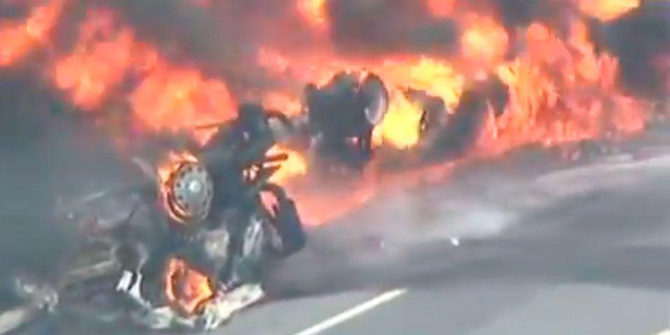 Camión vuelca y se incendia en Nueva Jersey - Camión vuelca y se incendia en Nueva Jersey