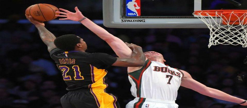Ellington lleva a los Lakers al triunfo sobre Bucks - lakers vs bucks 27 febrero 2015_espn